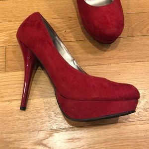 Mossimo Supply Co. Shoes - Mossimo heels size 10